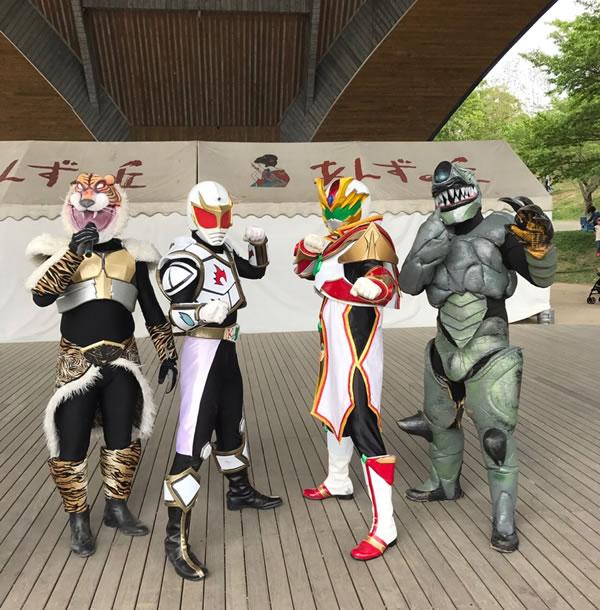 肥後ブレイブユウキと同じく、熊本の平和を守るヒーロー「郷熊戦煌ジュグリッター」とコラボだ!